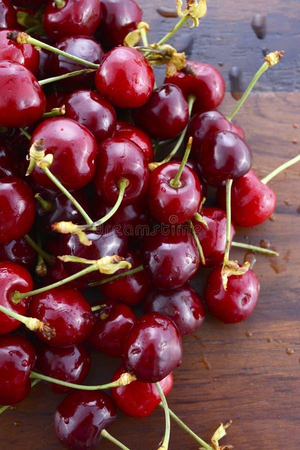 Ny frukt för svarta körsbär royaltyfria bilder