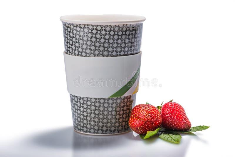 ny glass jordgubbeyoghurt arkivbild