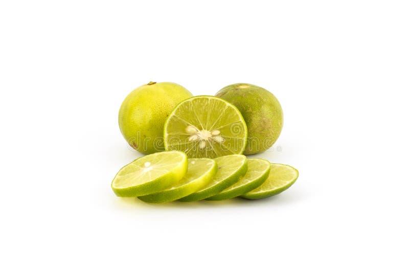 Ny isolerad limefruktskiva arkivfoton
