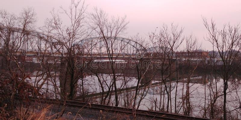 Download Ny Kensington PA-bro fotografering för bildbyråer. Bild av vatten - 106826711