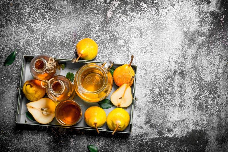 Ny kompott av mogna päron royaltyfri bild