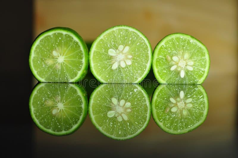 ny limefrukt bär fruktt grönsaker arkivbild