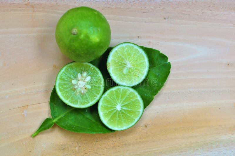 ny limefrukt bär fruktt grönsaker fotografering för bildbyråer