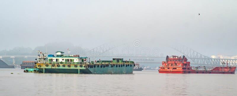 Ny Mahakam bro från avstånd royaltyfri bild