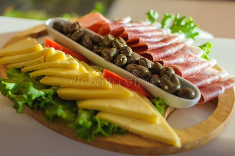 Ny mat för medelhavs- antipasti royaltyfria foton