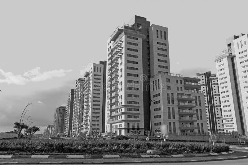 Ny modern stads- grannskap som är klar för befolkning arkivfoton