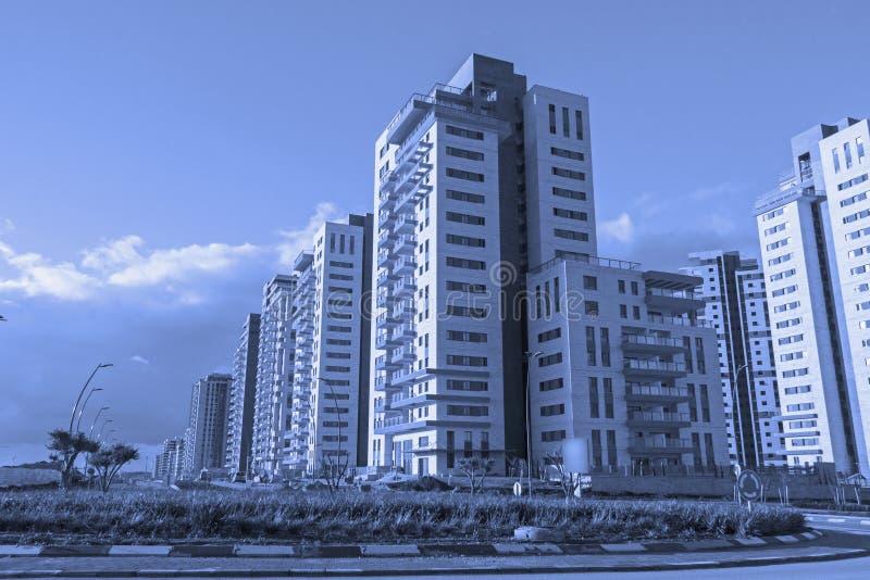 Ny modern stads- grannskap som är klar för befolkning arkivbild