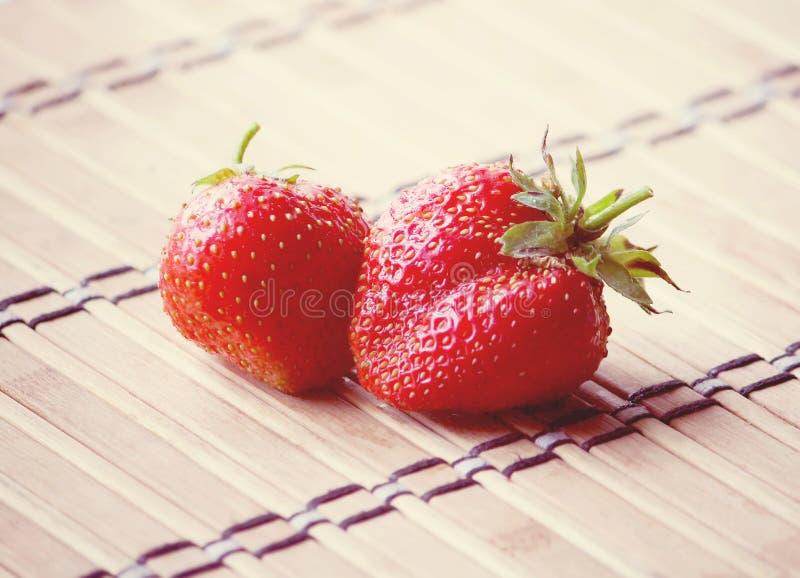 Download Ny mogen jordgubbe arkivfoto. Bild av ljust, frukter - 78726488
