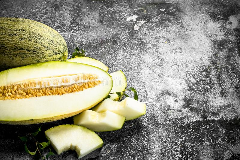 Ny mogen skivad melon arkivfoto