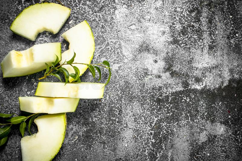 Ny mogen skivad melon fotografering för bildbyråer