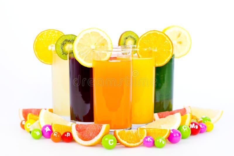 Ny och sund frukt och grönsakfruktsafter royaltyfria foton