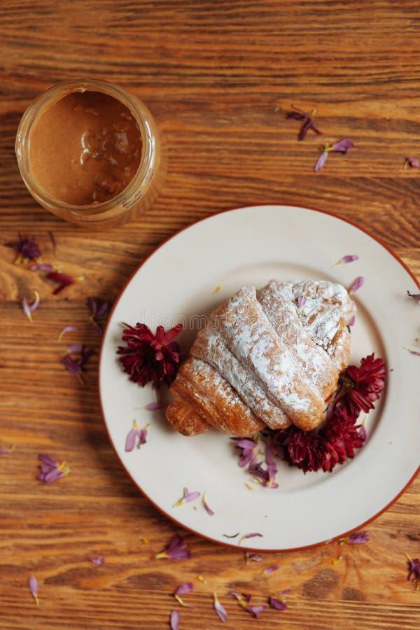 Ny och taisty frukost i en landsstil arkivfoton
