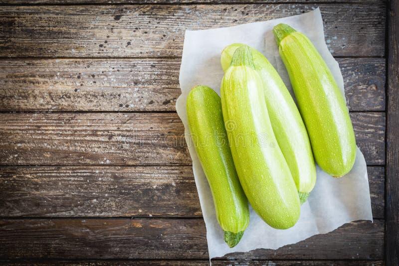ny organisk zucchini arkivbild