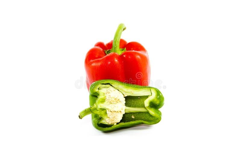 Ny röd och grön paprika royaltyfri bild
