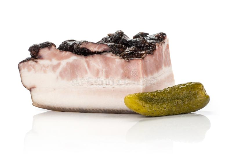 Ny rökt engelsk bacon som isoleras på vit royaltyfria bilder