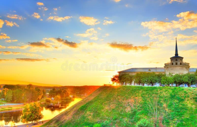 Ny slott i Grodno hdr royaltyfri bild