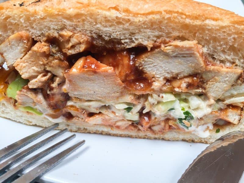 Ny smörgås med höna royaltyfri foto