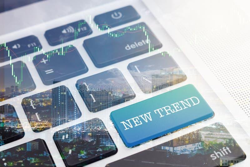 NY TREND: Grön knapptangentborddator royaltyfri fotografi
