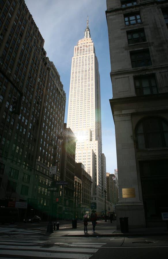 NY typisch - Empire State Building lizenzfreie stockbilder