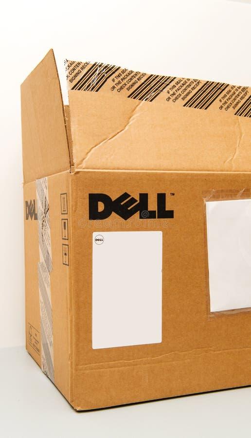 Ny unboxing för Dell Computer Server Workstion kartong arkivfoto