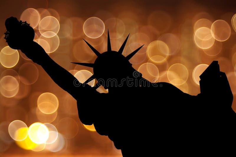 NY van het silhouet Standbeeld van Vrijheid royalty-vrije stock foto