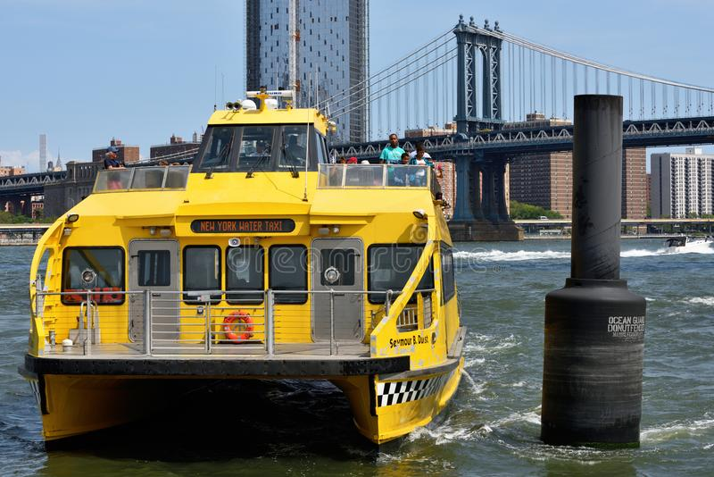 NY wody taxi na hudsonie obrazy stock