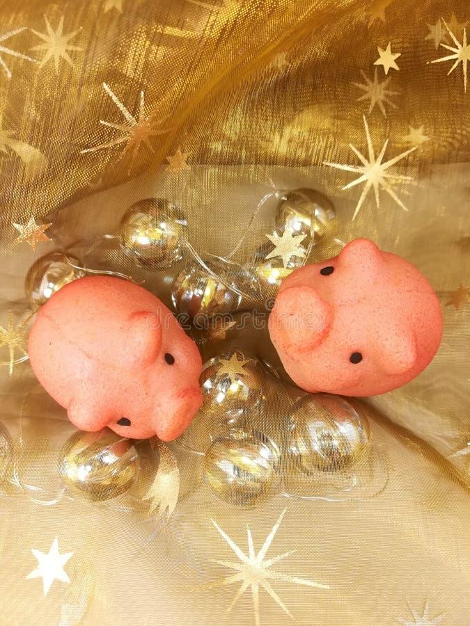 nya år helgdagsafton, sött svin för lyckligt symbol arkivbilder
