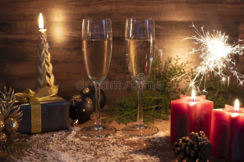 Nya år helgdagsaftonberömbakgrund med champagne arkivbilder
