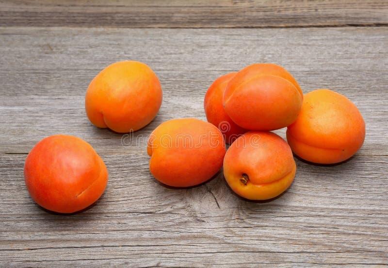 Nya aprikosar arkivbild
