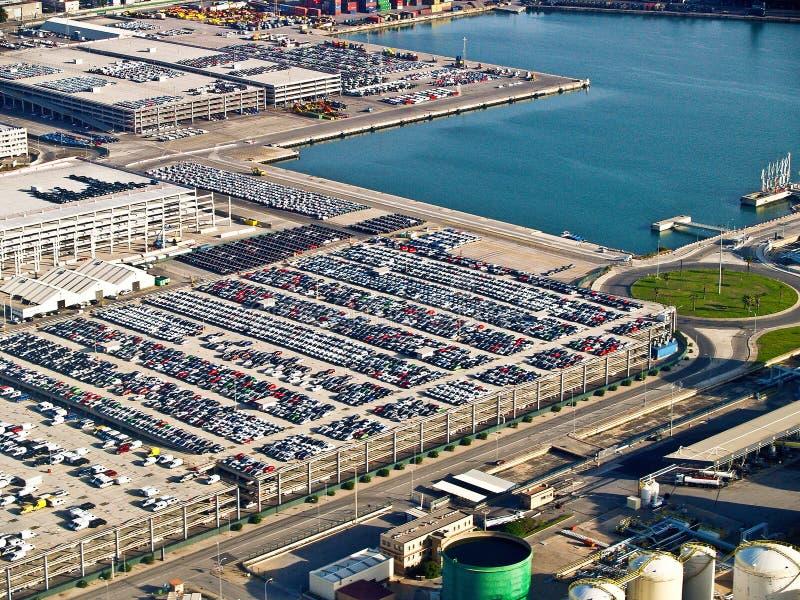 Nya bilar, port av Barcelona, Spanien, antenn beskådar royaltyfria bilder