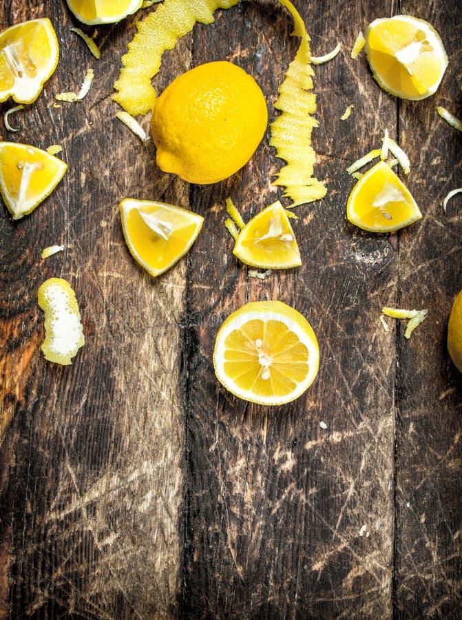 Nya citroner med piff royaltyfri fotografi