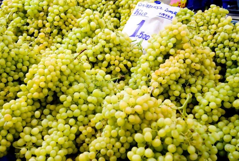 nya druvor green organiskt seedless royaltyfri bild
