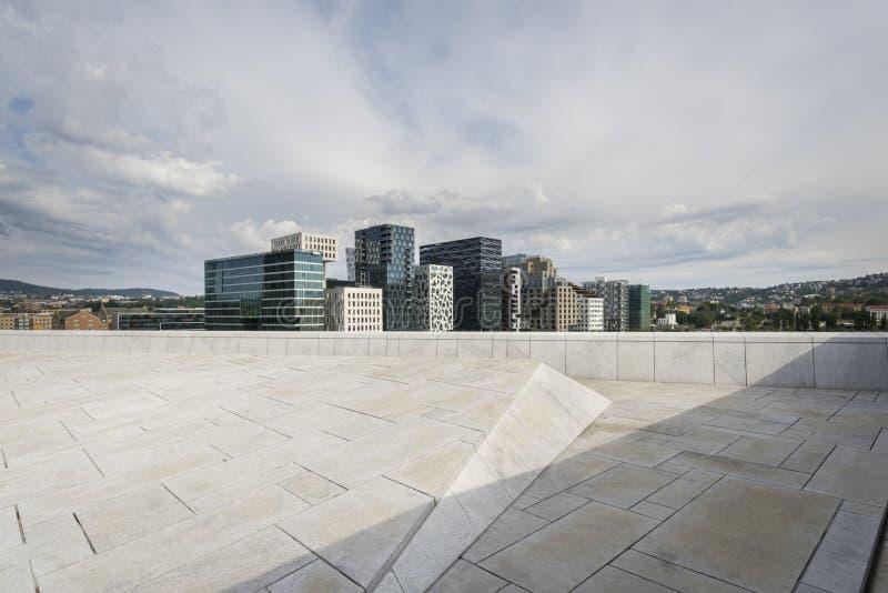 Nya flerfamiljshus Barcodebyggnader' i Oslo arkivbild