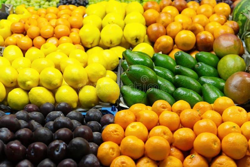 nya frukter marknad N?rbild royaltyfri fotografi