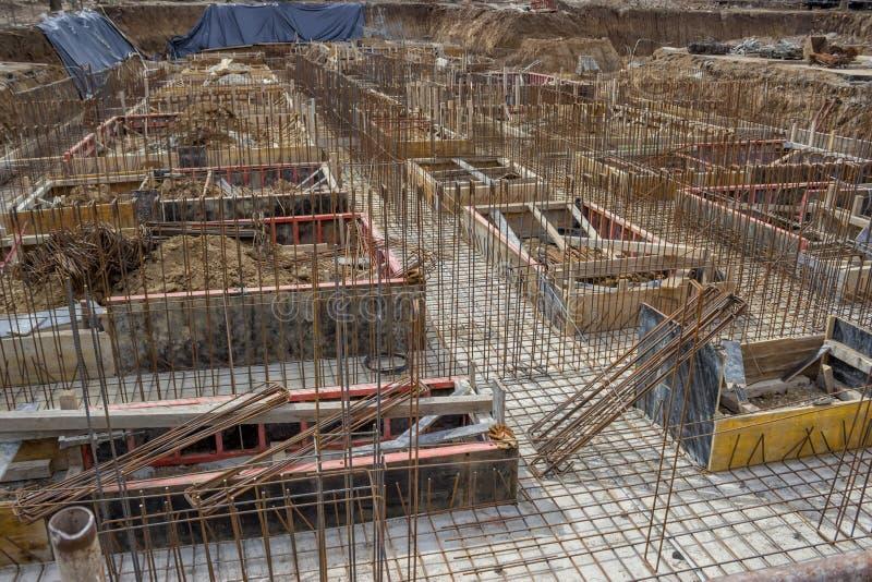 Nya fundament- och stålförstärkningstänger fotografering för bildbyråer