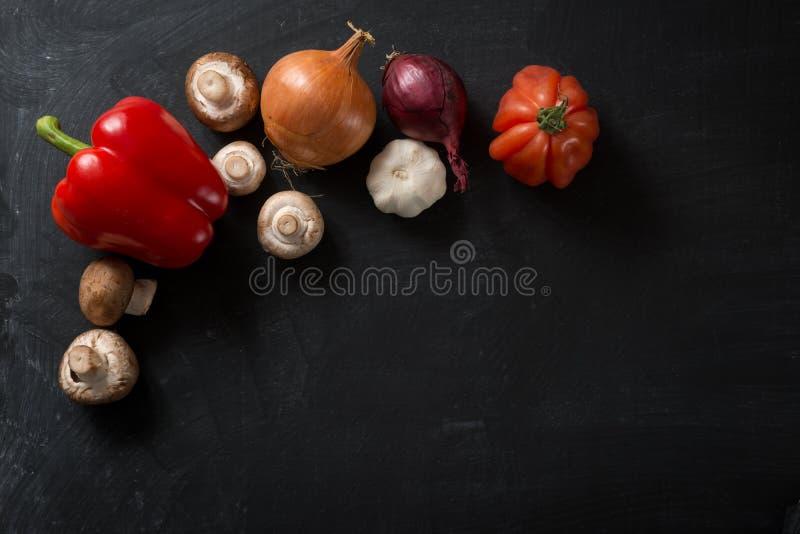 Nya grönsaker för matbakgrund royaltyfri fotografi
