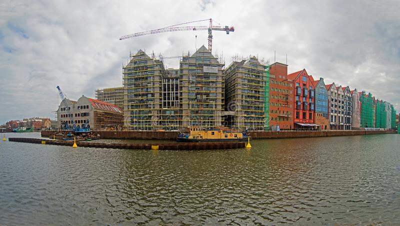 Nya hus som byggs på spannmålsmagasinön, Gdansk, Polen royaltyfri bild