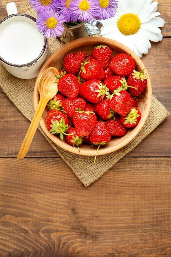 nya jordgubbar arkivfoto