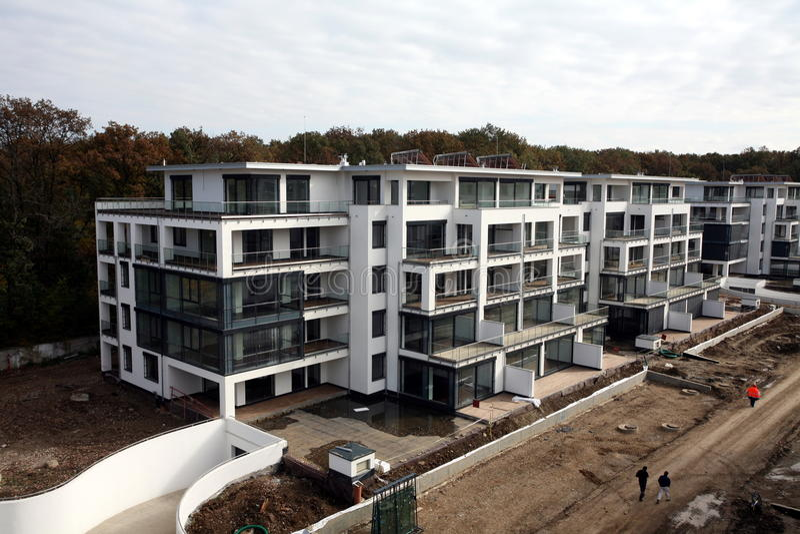Nya kvarter under konstruktion royaltyfria foton