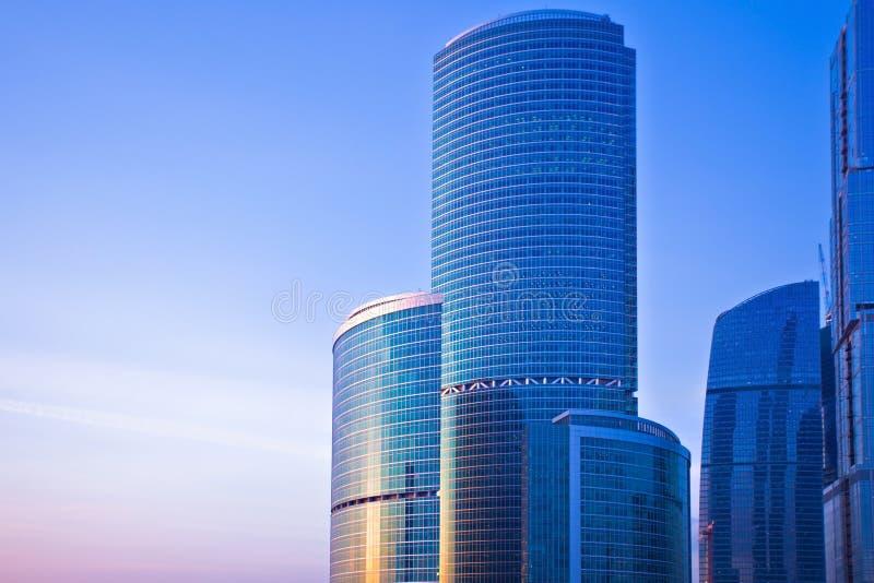 nya skyskrapor för afton royaltyfri bild