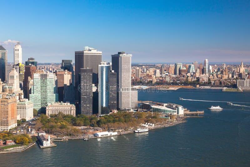 nya skyskrapor york downtown Finansmitt av Manhattan Batteriet parkerar royaltyfri fotografi