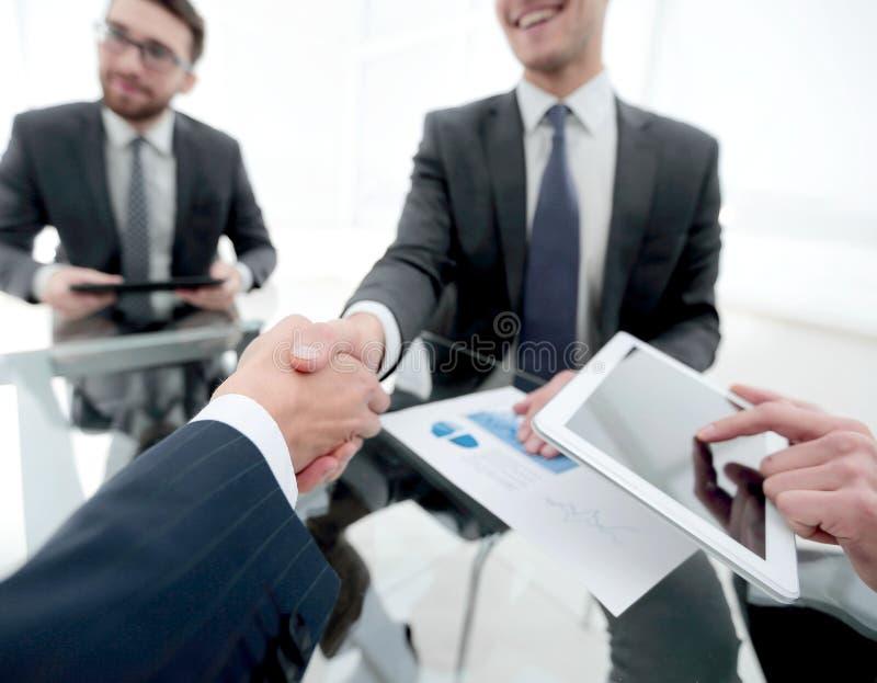 Nya tekniker och affärspartnerskap royaltyfri bild