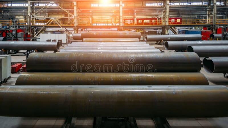 Nya tillverkade stålrör royaltyfri foto