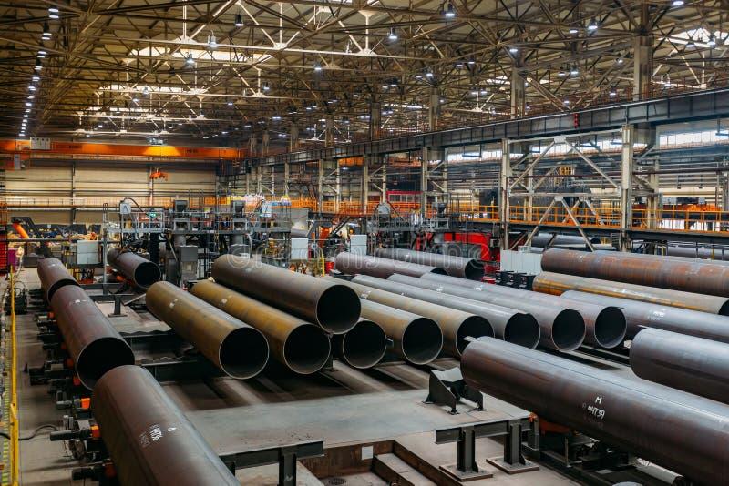 Nya tillverkade stålrör royaltyfri bild