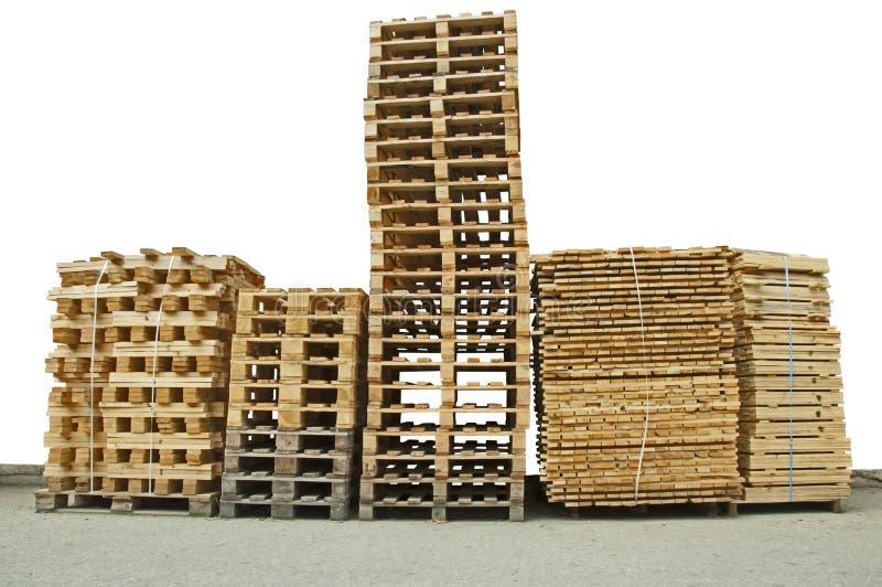 nya träpalettbuntar royaltyfri bild