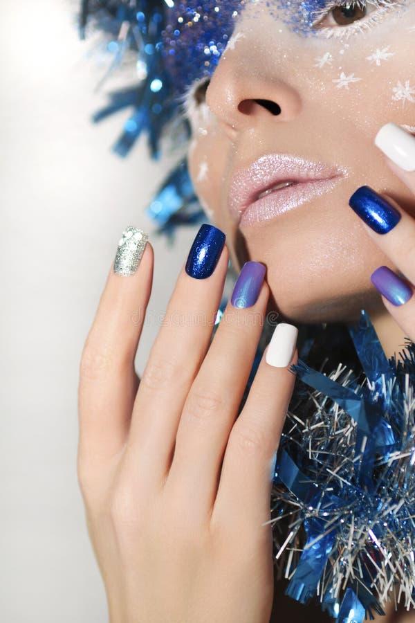 Download Nya Year& X27; S-manikyr Och Makeup Fotografering för Bildbyråer - Bild av kreativitet, finger: 78730483