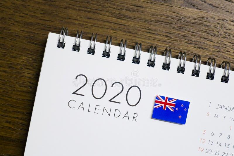 Nyazeeländsk flagga på kalendern 2020 royaltyfria foton