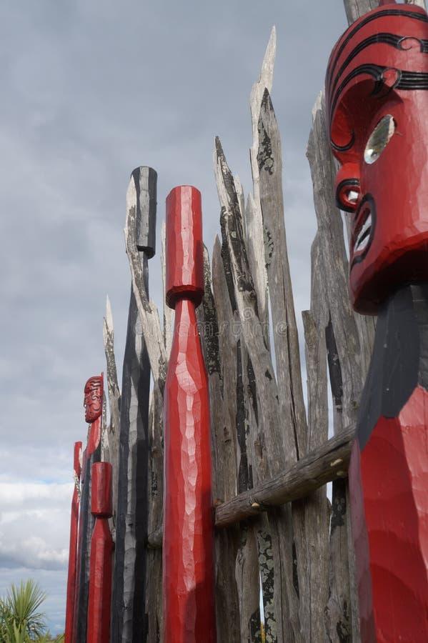 Nyazeeländska maoricarvings 3 royaltyfri foto