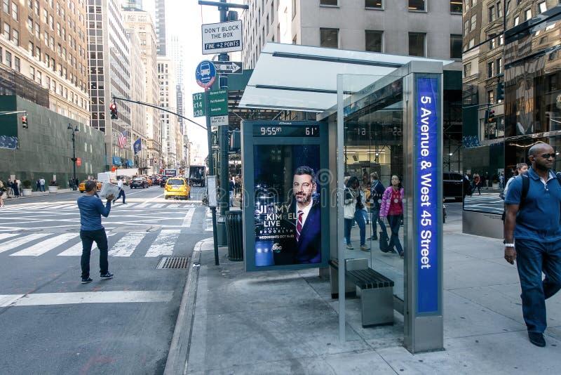 NYC公共汽车站 库存图片