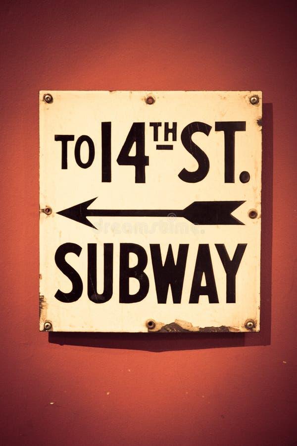 NYC对第14条街道的地铁标志 库存图片